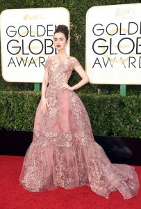 lily-collins-golden-globe-awards-in-beverly-hills-01-08-2017-3