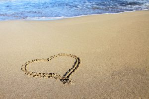 11703-a-heart-drawn-in-the-sand-pv