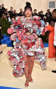 """NEW YORK, NY - MAY 01: Rihanna attends the """"Rei Kawakubo/Comme des Garcons: Art Of The In-Between"""" Costume Institute Gala at Metropolitan Museum of Art on May 1, 2017 in New York City. (Photo by Kevin Mazur/WireImage)"""